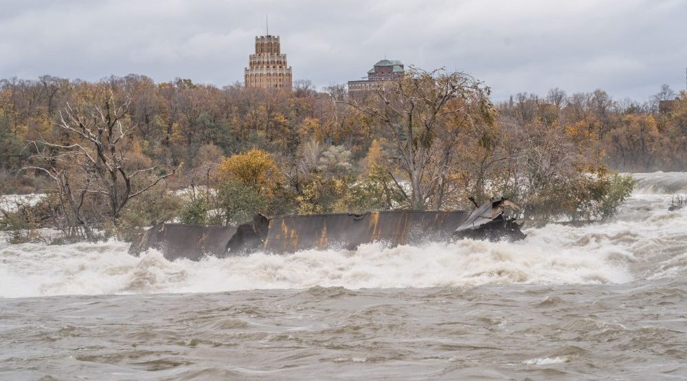 Halloween storm moved Niagara Falls' shipwreck for first time in 100 years