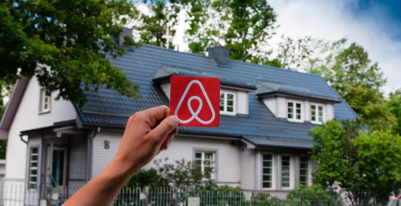 Airbnb to verify all 7 million listings in bid to regain customer trust