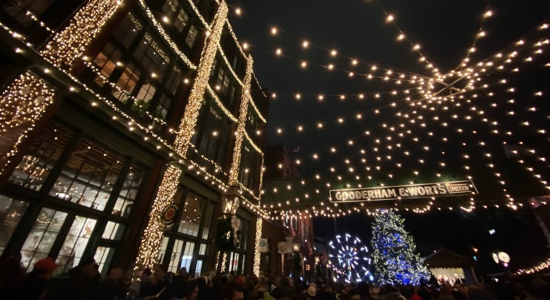 This is what the first day of the Toronto Christmas Market looked like (PHOTOS)