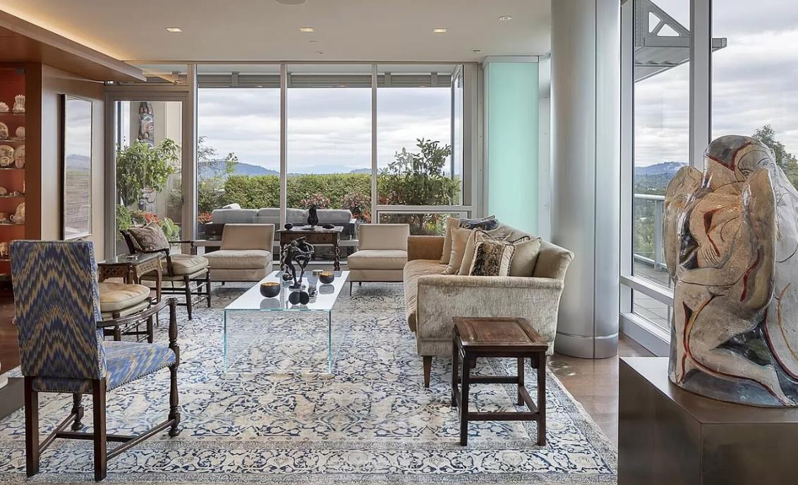 Image courtesy of Sean Z. Becker via roomvu - real estate marketing
