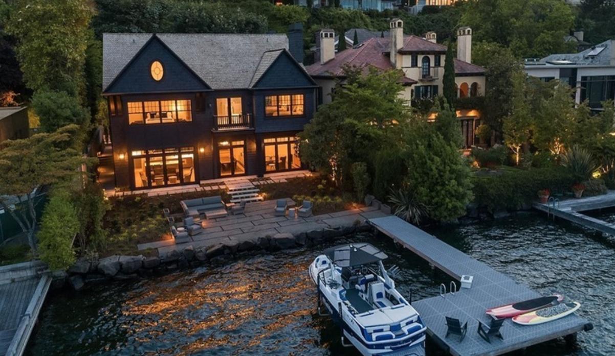 Image courtesy of Bob Bennion via roomvu - real estate marketing