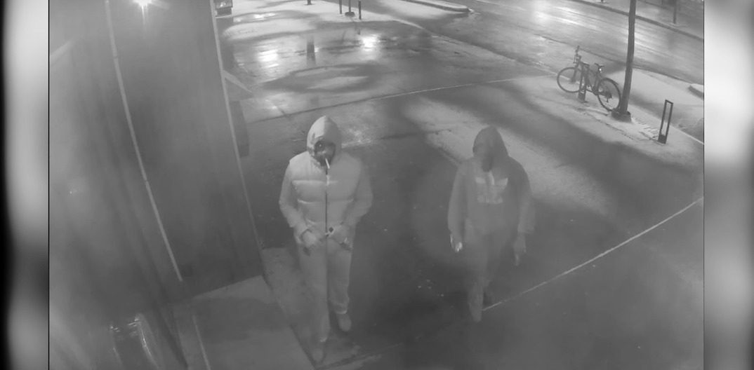 Police release footage of alleged suspects lighting Montreal restaurant on fire (VIDEO)