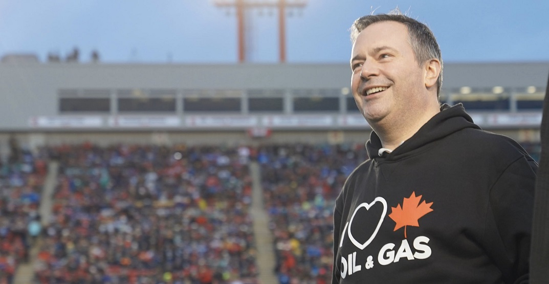 Alberta premier's choice of hoodie stirs up online controversy during Grey Cup