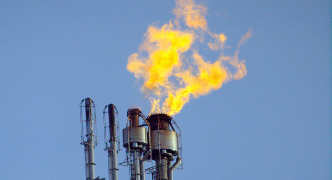 Flaring at Strathcona Refinery is no cause for concern: fire officials