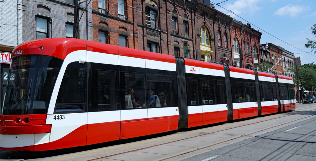 Queen streetcars back in service
