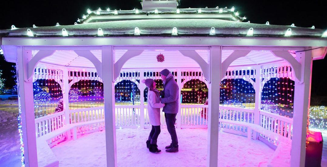 There's a winter wonderland in Ontario with a 1km magical light trail (PHOTOS)