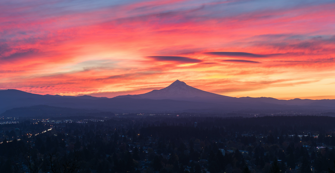 Portland was blessed with an incredibly colorful sunrise this morning (PHOTOS)
