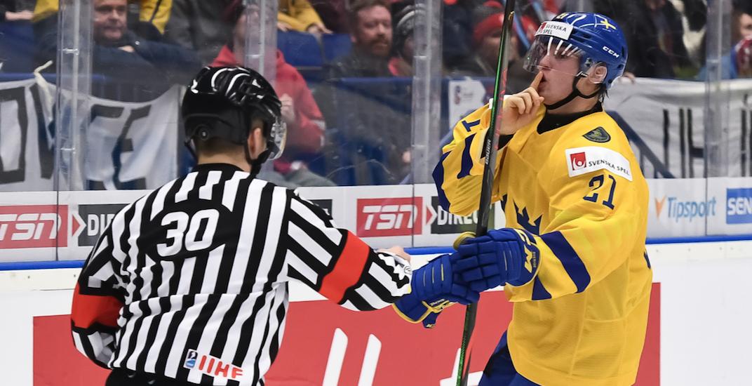 Canucks prospect Hoglander takes over World Juniors scoring lead
