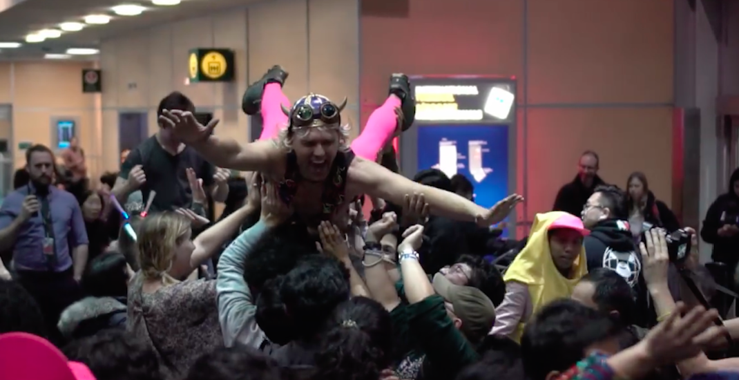 YVR Airport turned into a massive New Year's Eve dance party (VIDEOS)