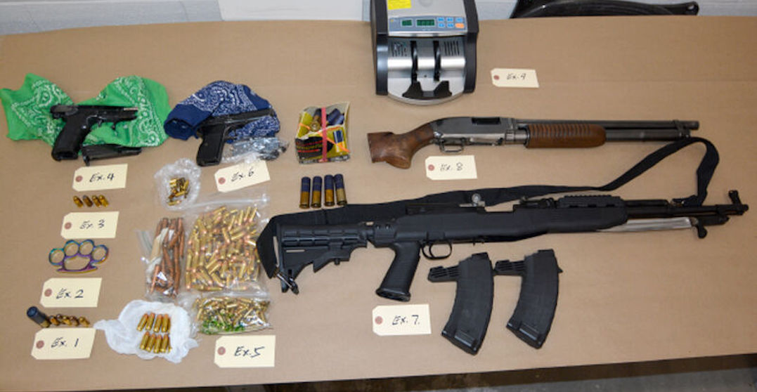 25-year-old Toronto man facing 22 charges after firearms allegedly found in car