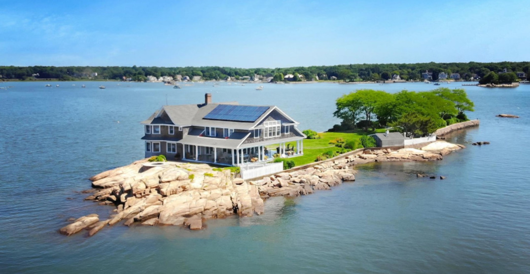 This private island 145 km outside of New York City is on the market for $6.4 million