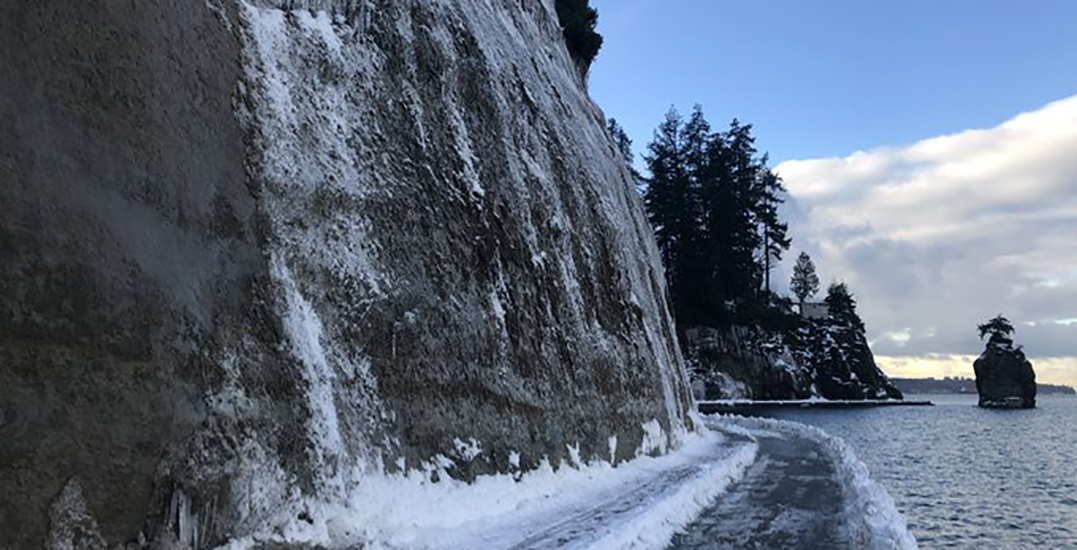 Stanley Park seawall undergoes partial closure due to falling ice