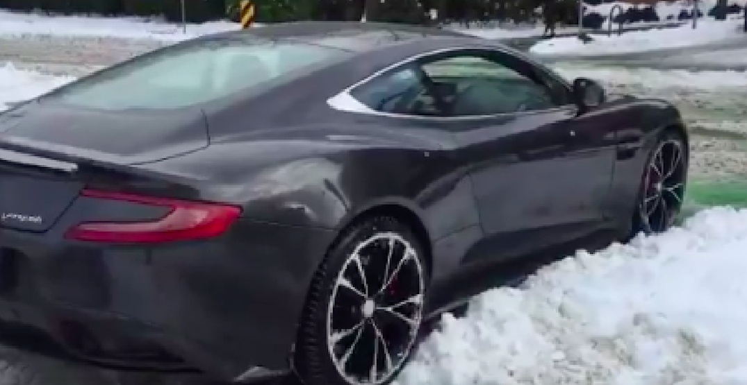 Vancouver driver gets supercar stuck in snow (VIDEO)