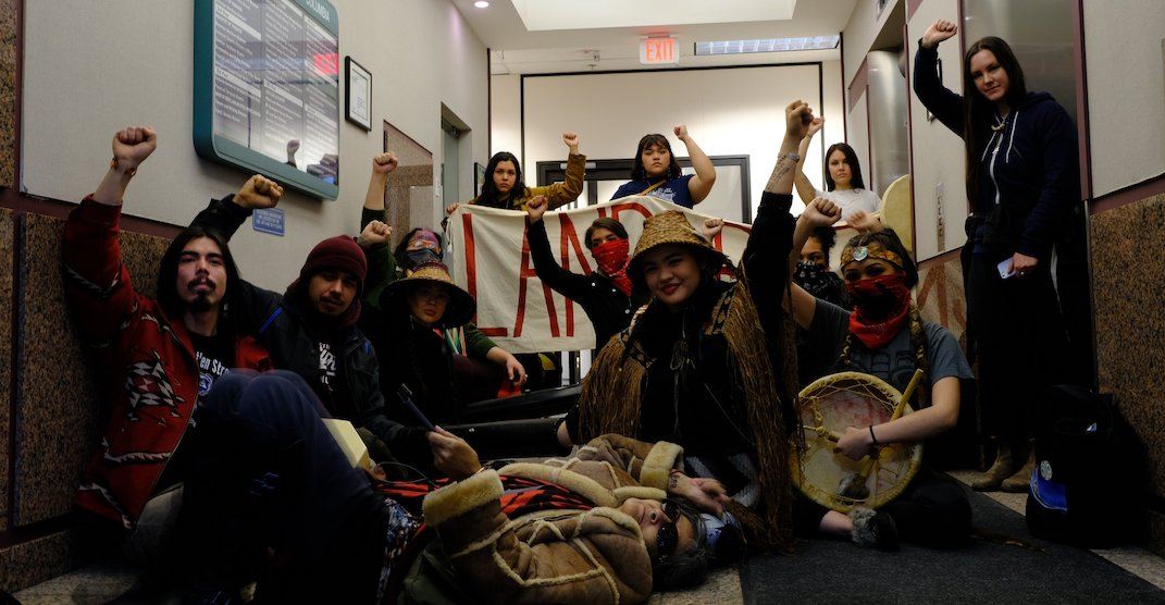 Indigenous protesters arrested after occupying Ministry of Energy overnight