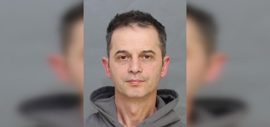 """Man arrested for voyeurism after allegedly offering """"free massages"""""""