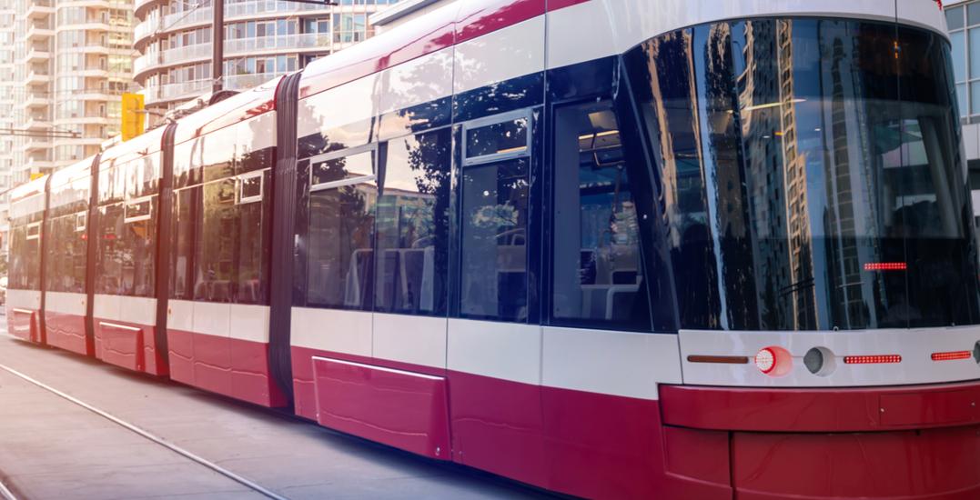 TTC streetcar derails in midtown Toronto Monday morning