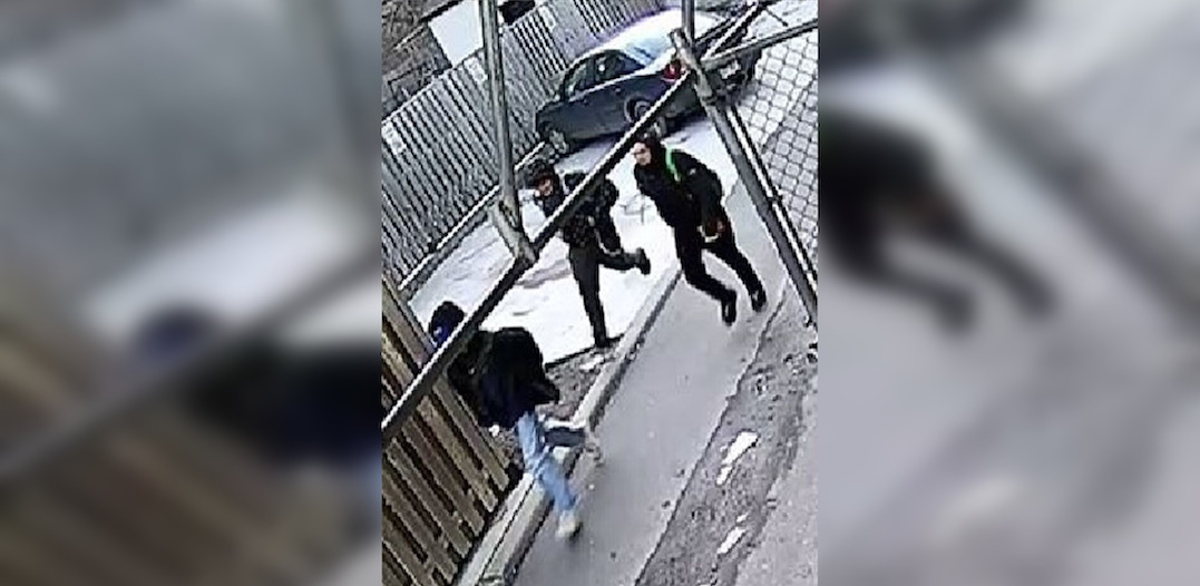 Police looking for 3 men who allegedly robbed 15-year-old boy