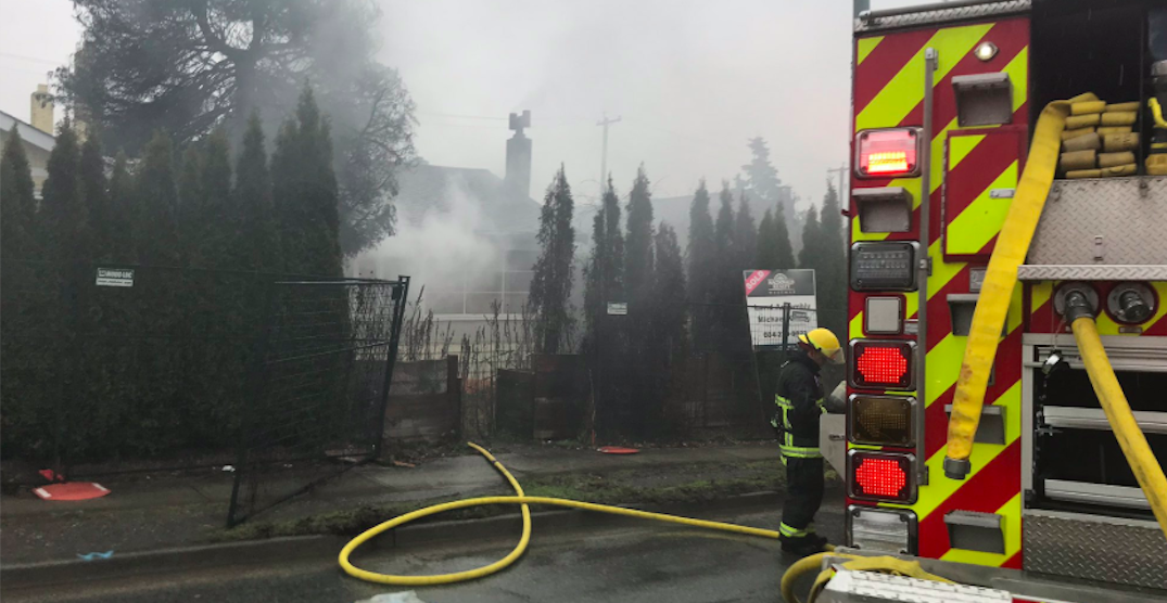 Part of Oak Street closed in both directions due to fire