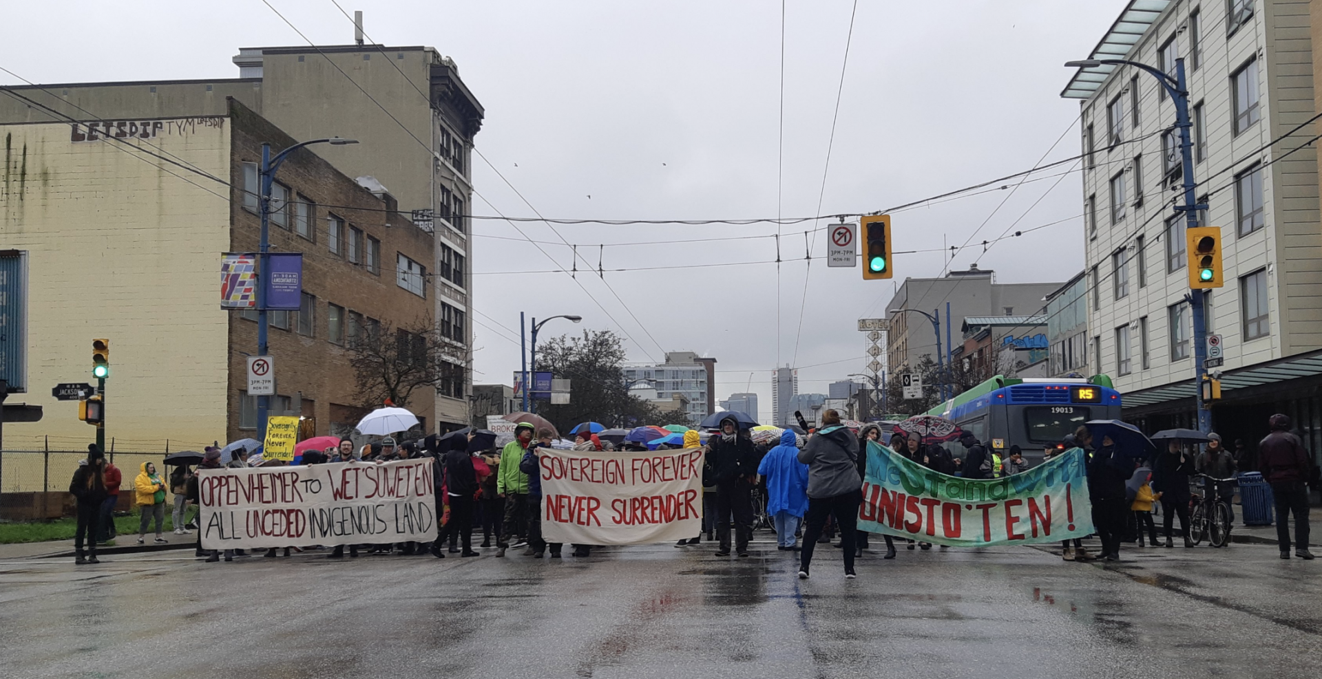 Demonstrations in solidarity with Wet'suwet'en continue in Vancouver today