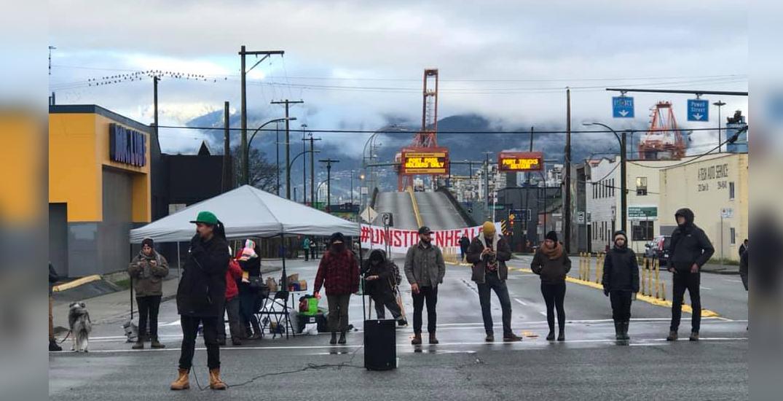 Vancouver demonstrators block bridges over arrests on Wet'suwet'en territory