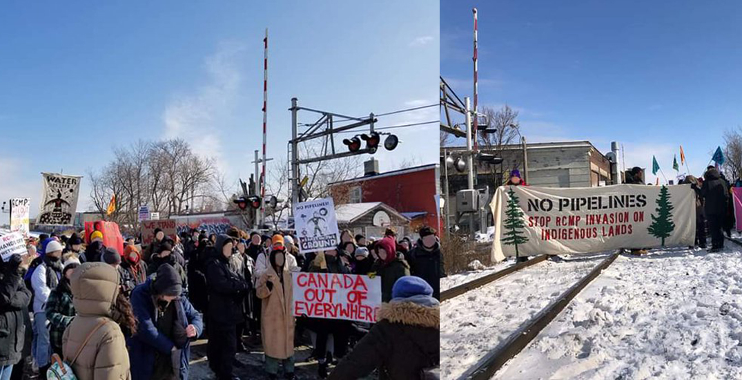 Demonstrators block bridges, stop trains in support of Wet'suwet'en land defenders