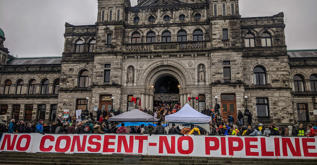 Demonstrators block all access to BC Legislature ahead of Throne Speech