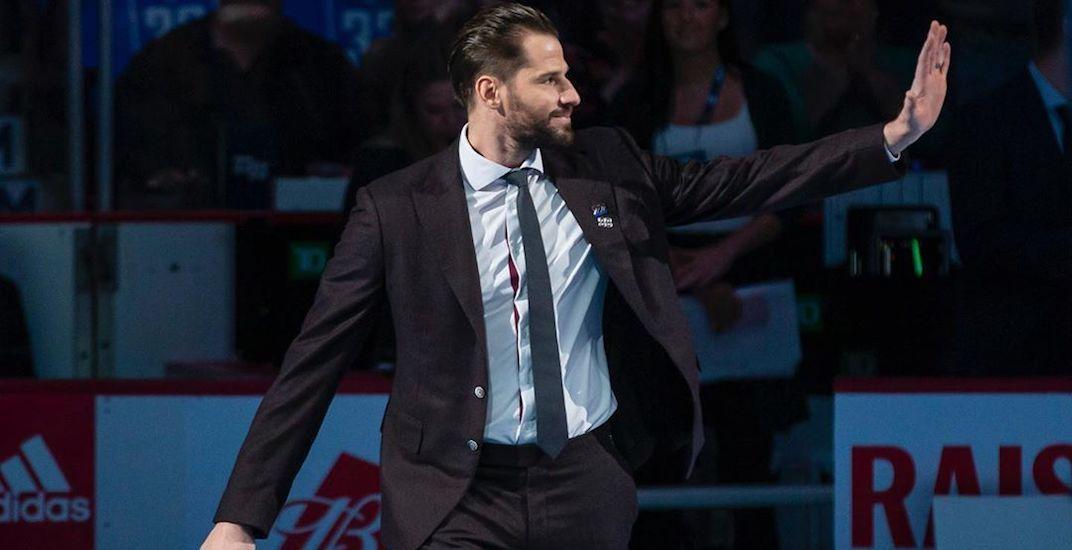 """Kesler """"emotional"""" after Canucks fans greet him with standing ovation"""
