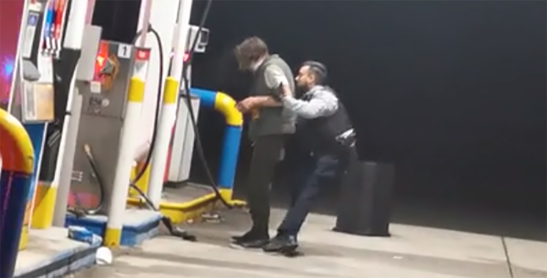 Police apprehend man after alleged arson attempt at Burnaby gas station
