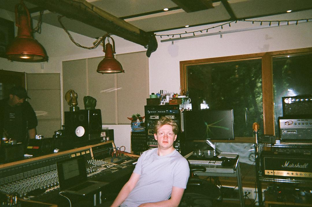 Hahlweg, Seeking Blue Records