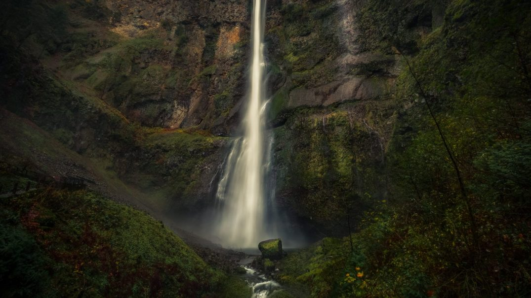 Outstanding Oregon: Multnomah Falls is what dreams are made of