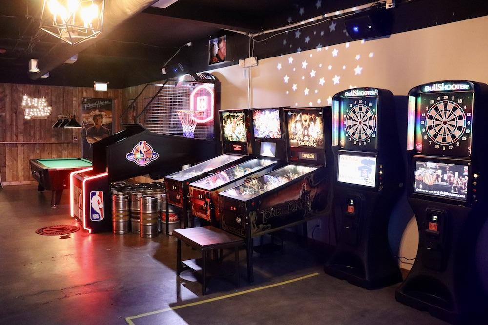 Glitch Retro Arcade Bar