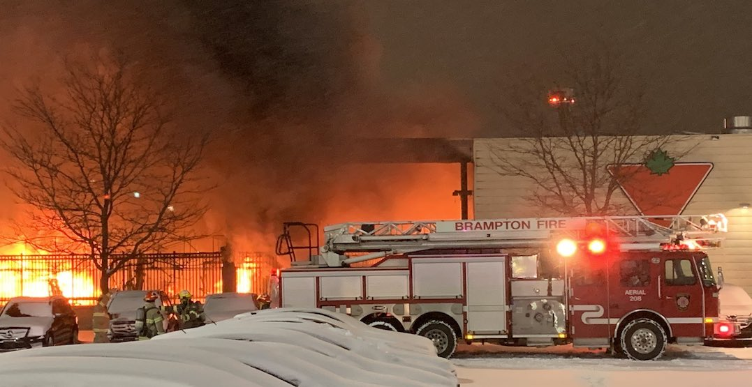 Massive fire breaks out at Canadian Tire in Brampton