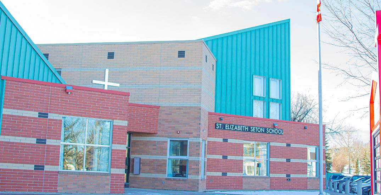 Alberta closes schools after seeing more coronavirus community spread