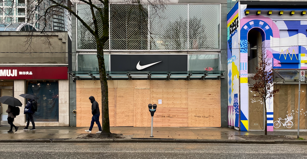 Downtown Vancouver shops are boarding up their storefronts (PHOTOS)