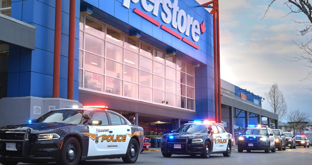 Abbotsford police salute frontline grocery store staff during 7 pm cheer