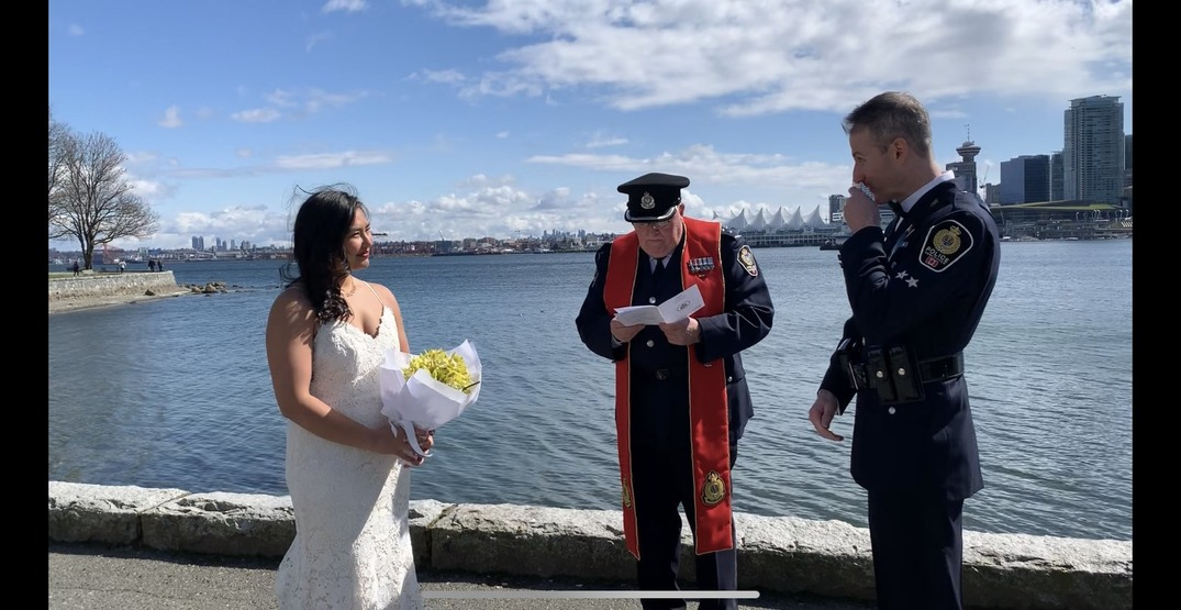 Two VPD Constables didn't let the pandemic stop their wedding (PHOTO)
