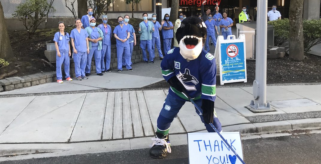 Canucks mascot Fin making surprise appearances at Metro Vancouver hospitals