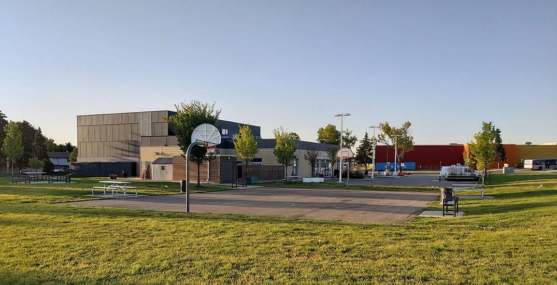 Edmonton closes sport courts in public parks