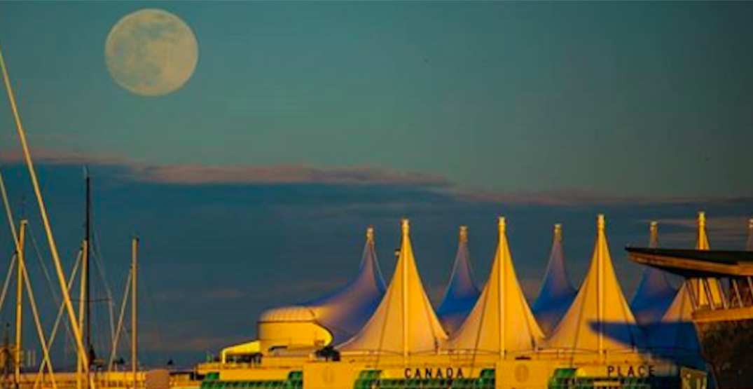12 shots of the supermoon over Vancouver last night (PHOTOS)