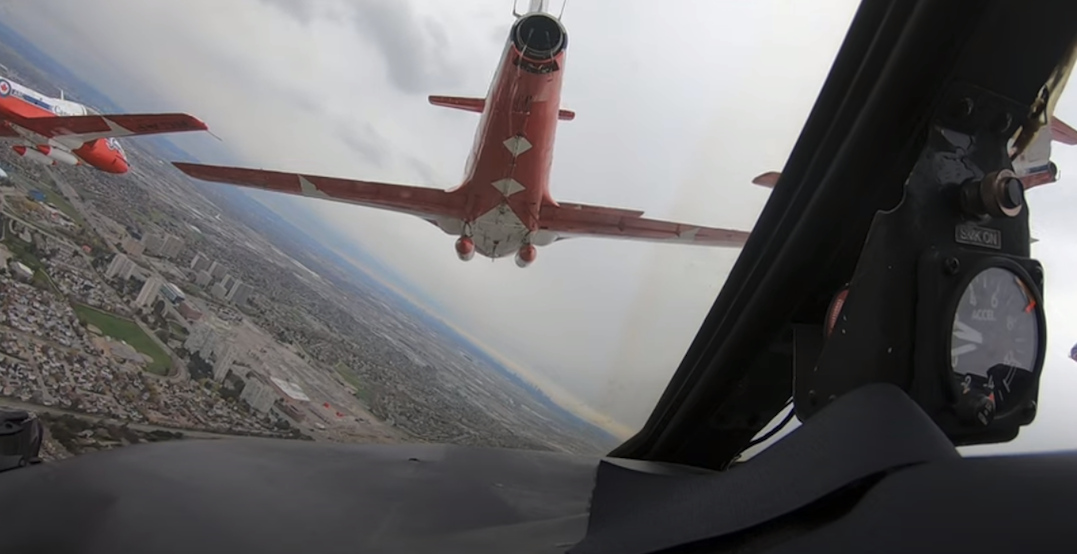 Canadian Forces Snowbirds share their view flying over Toronto (VIDEO)