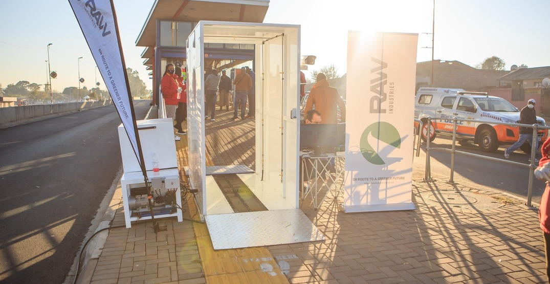 """South Africa is installing """"hygiene booths"""" for transit passengers (VIDEOS)"""