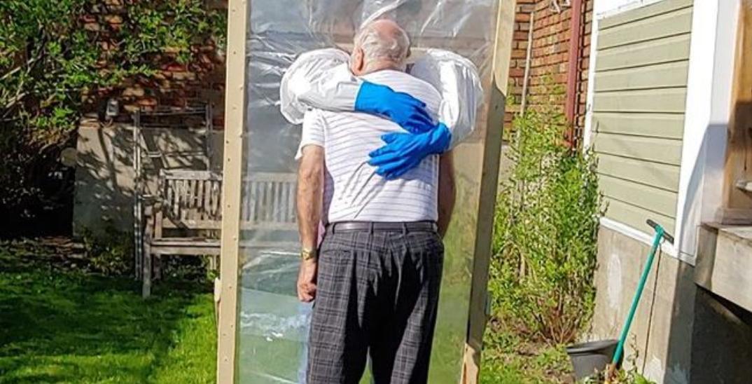 """Montrealer builds """"hugging station"""" in order to safely embrace parents"""