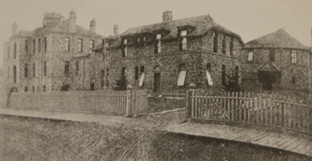 Here's what the Rundle Ruins used to look like back in the day (PHOTOS)