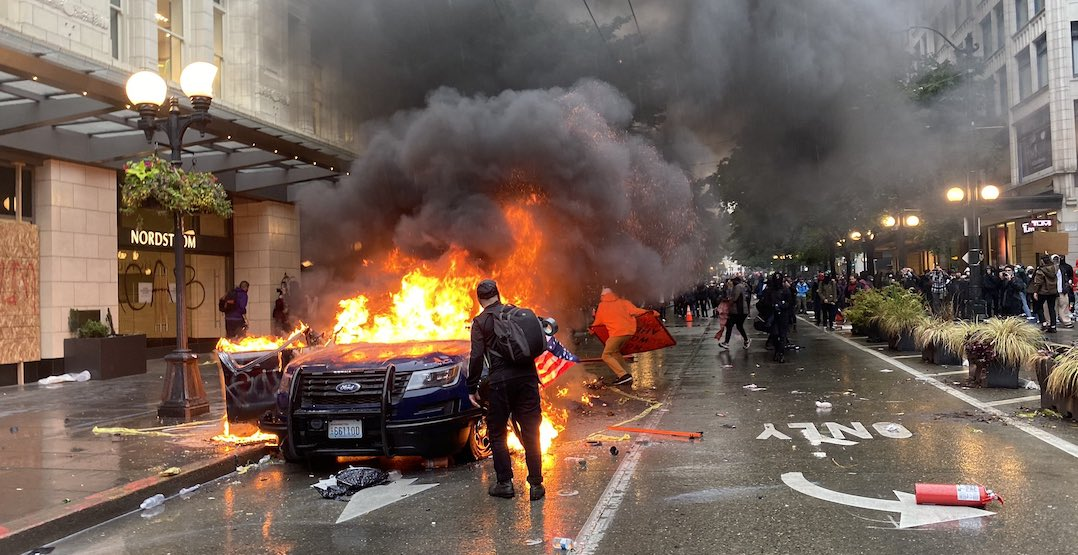 Protests over George Floyd death turned violent in Seattle (VIDEOS)