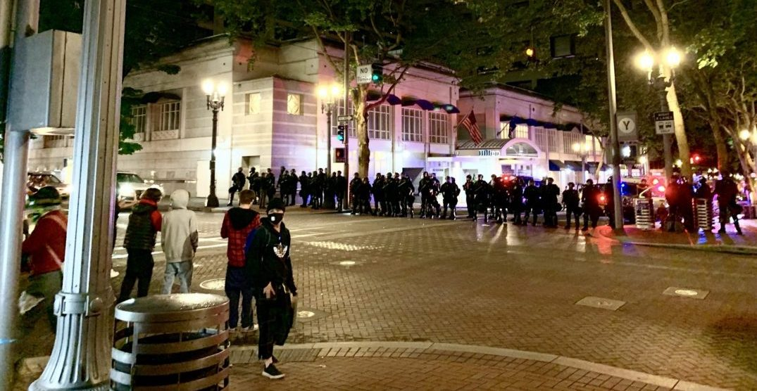 Protests for George Floyd escalate in Portland prior to curfew (VIDEOS)