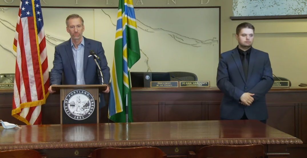 Portland mayor pleads with Oregon governor to activate National Guard