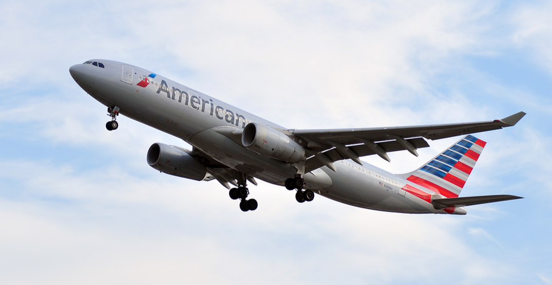 American Airlines removes passenger for not wearing face mask (VIDEO)
