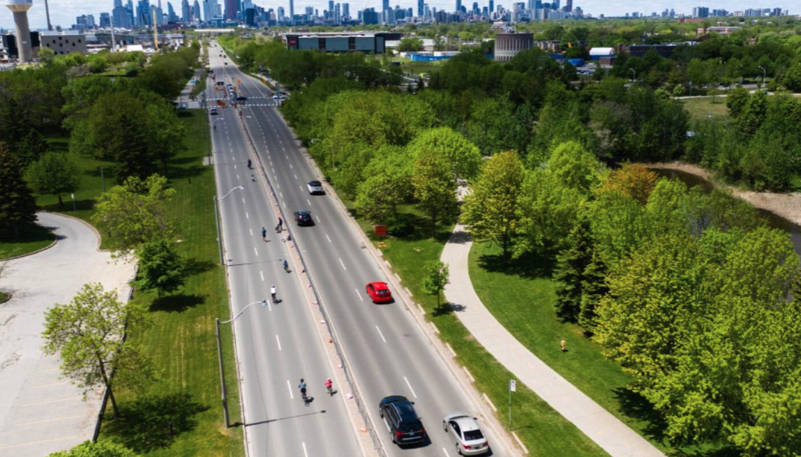 There are major road closures around Toronto this weekend
