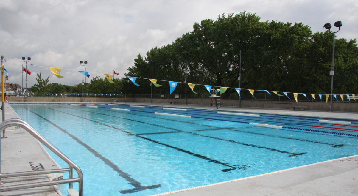 15 outdoor pools that are now open in Toronto