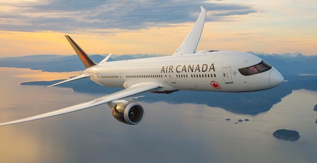 Air Canada ends physical distancing on flights, reintroduces meal service